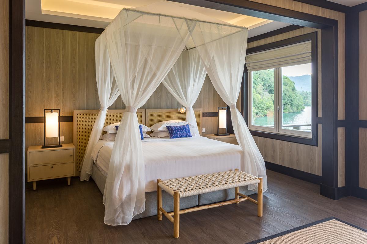 Luxury Cottages, bedroom.jpg