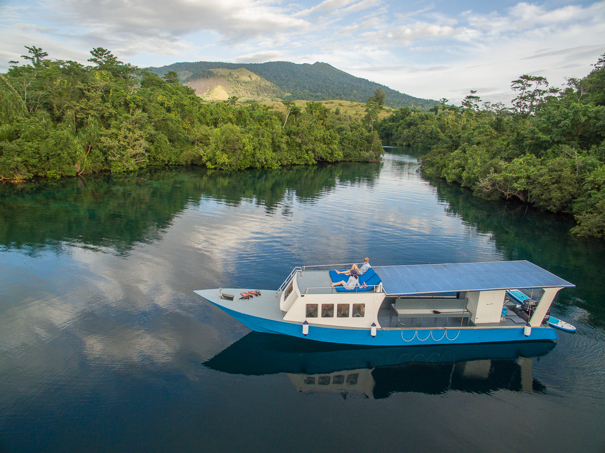 Snorkelling boat in Mangroves.jpg
