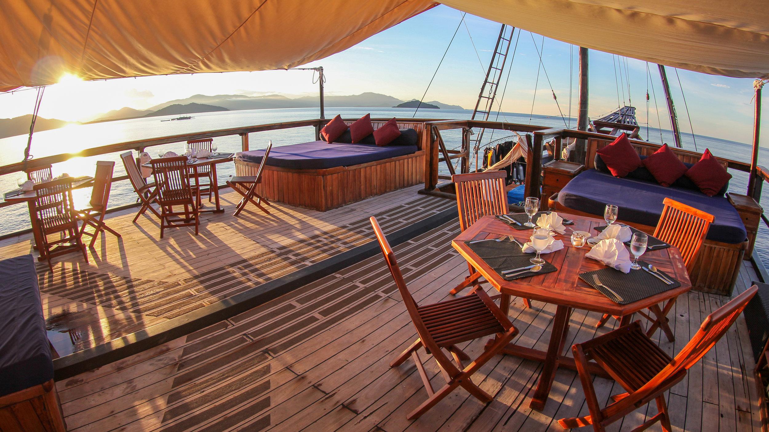 Sun Deck External Dining D1.jpg
