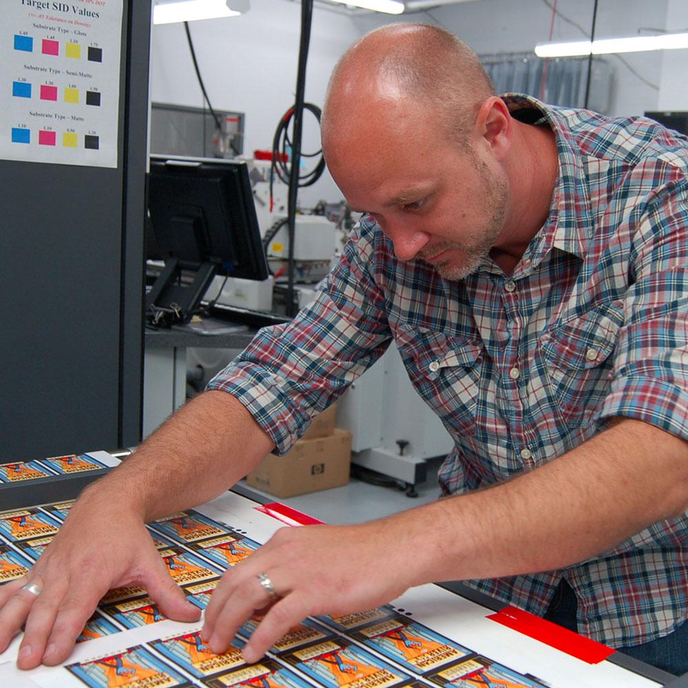 Expert pressure sensitive label and shrink sleeve printing.