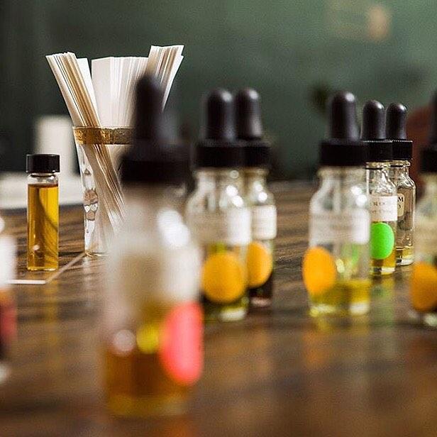 Natural Perfume Blending by Alchemologie