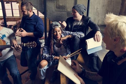 Musikkskole - Ved Feedback Studios har du muligheten til å bli en del av ett unikt og flott musikkmiljø.