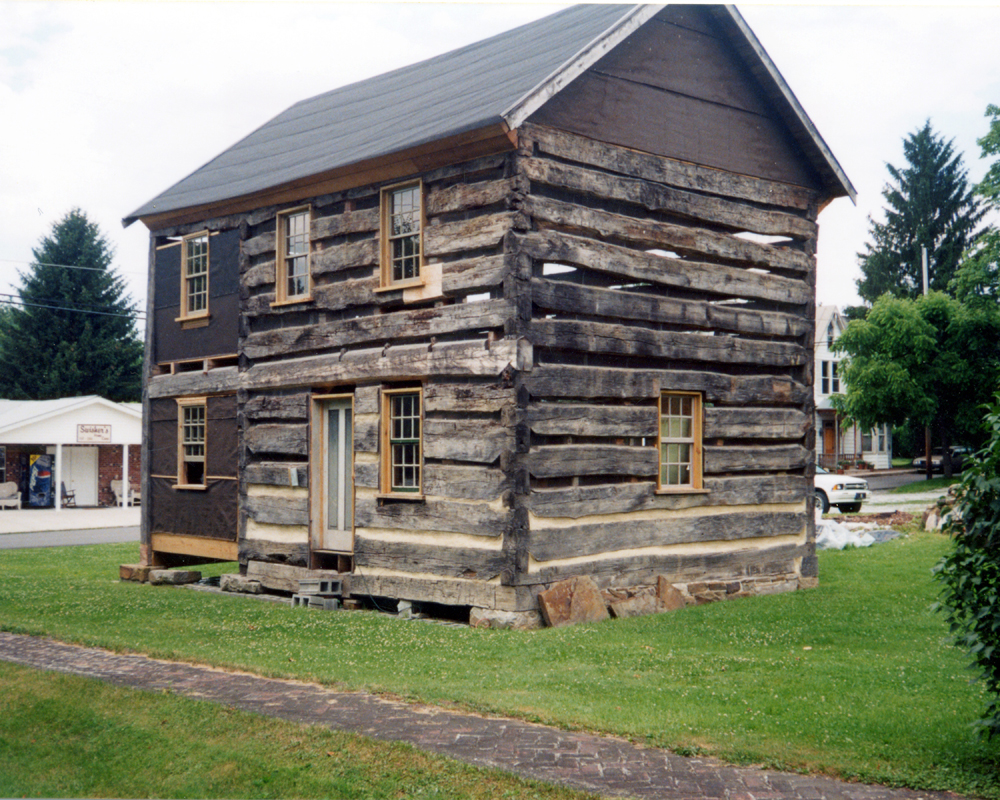 2001 june cabin front side.jpg