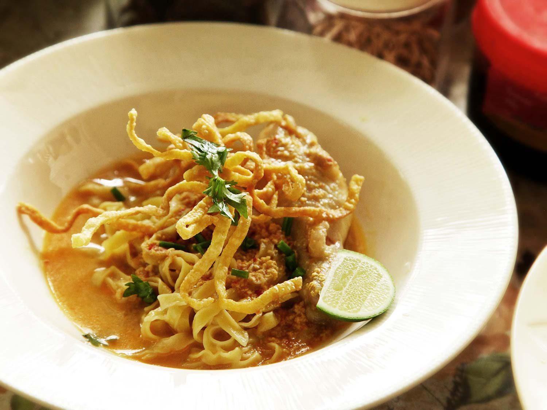 20140707-small-house-thai-cooking-school-khao-soi-10-1500x1125.jpg