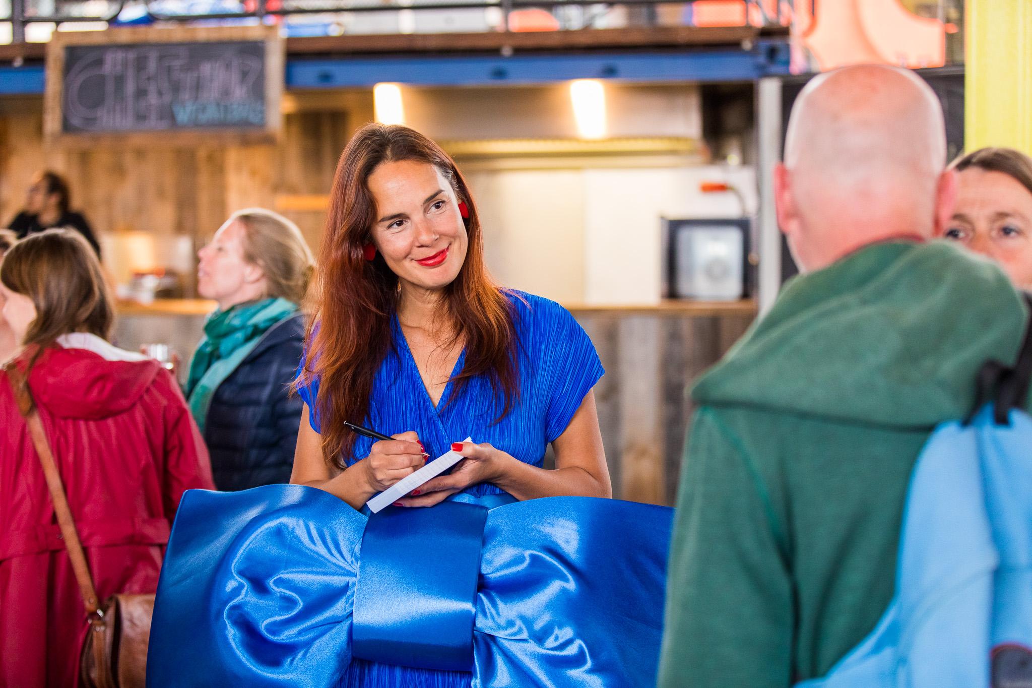 Jenine in blauw.jpg