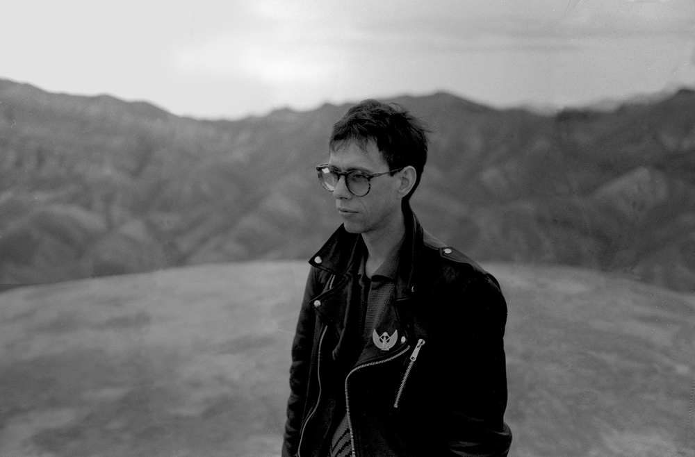Stephen Averill at Zabriske Point, December 1986, during the Joshua Tree shoot .Photography by The Edge.