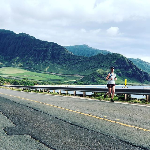 Happy weekend all! 🙌 Any plans to do a little #hokurelay training? 👟 🏃♀️🏃 Tell us what songs you listen to get you pumped for the road and we'll make a Hoku playlist for the tribe 🎶 🙌 #relayfun #relayforgood #outdoors #runningmotivation