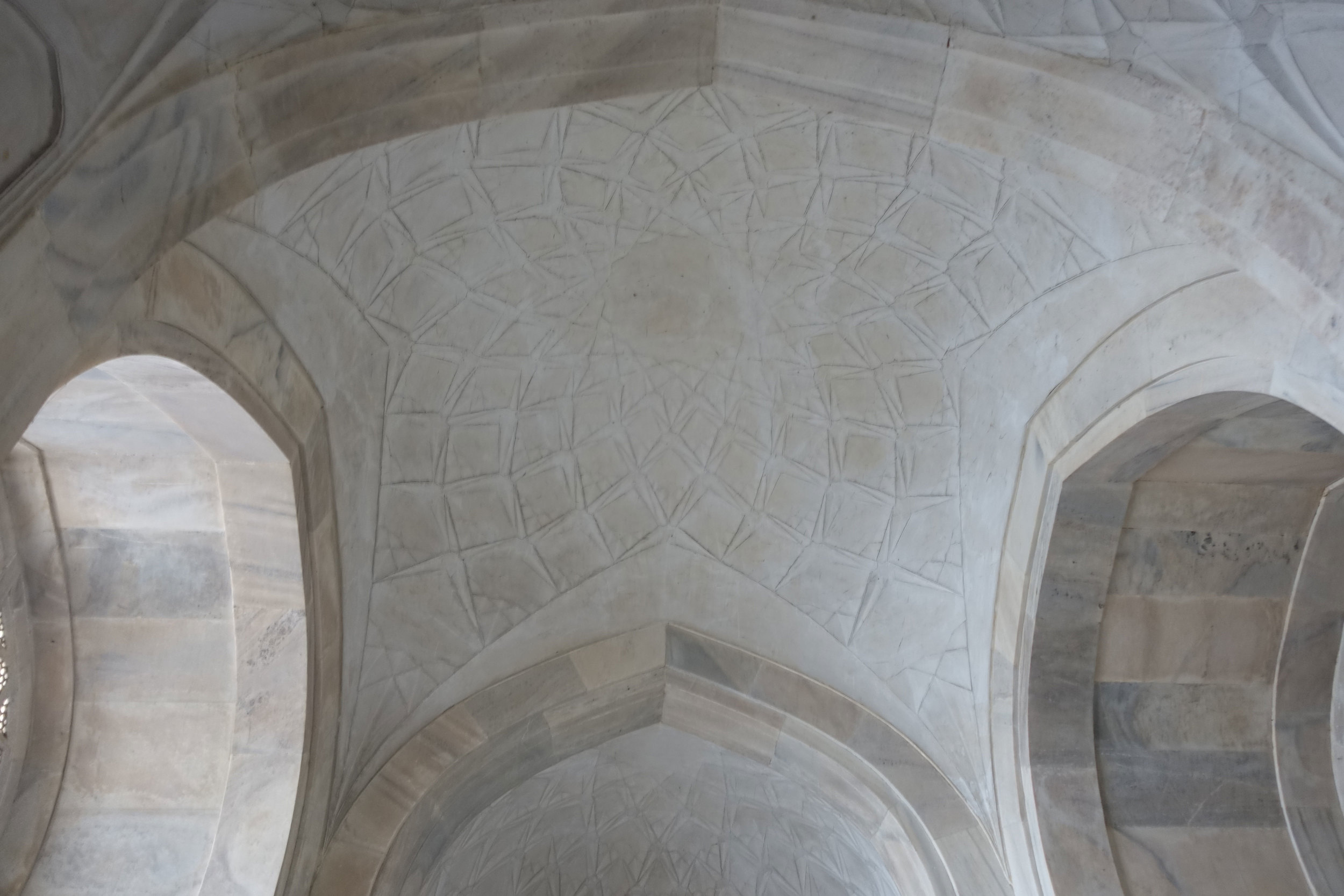A star shaped dome on the way out of the tomb