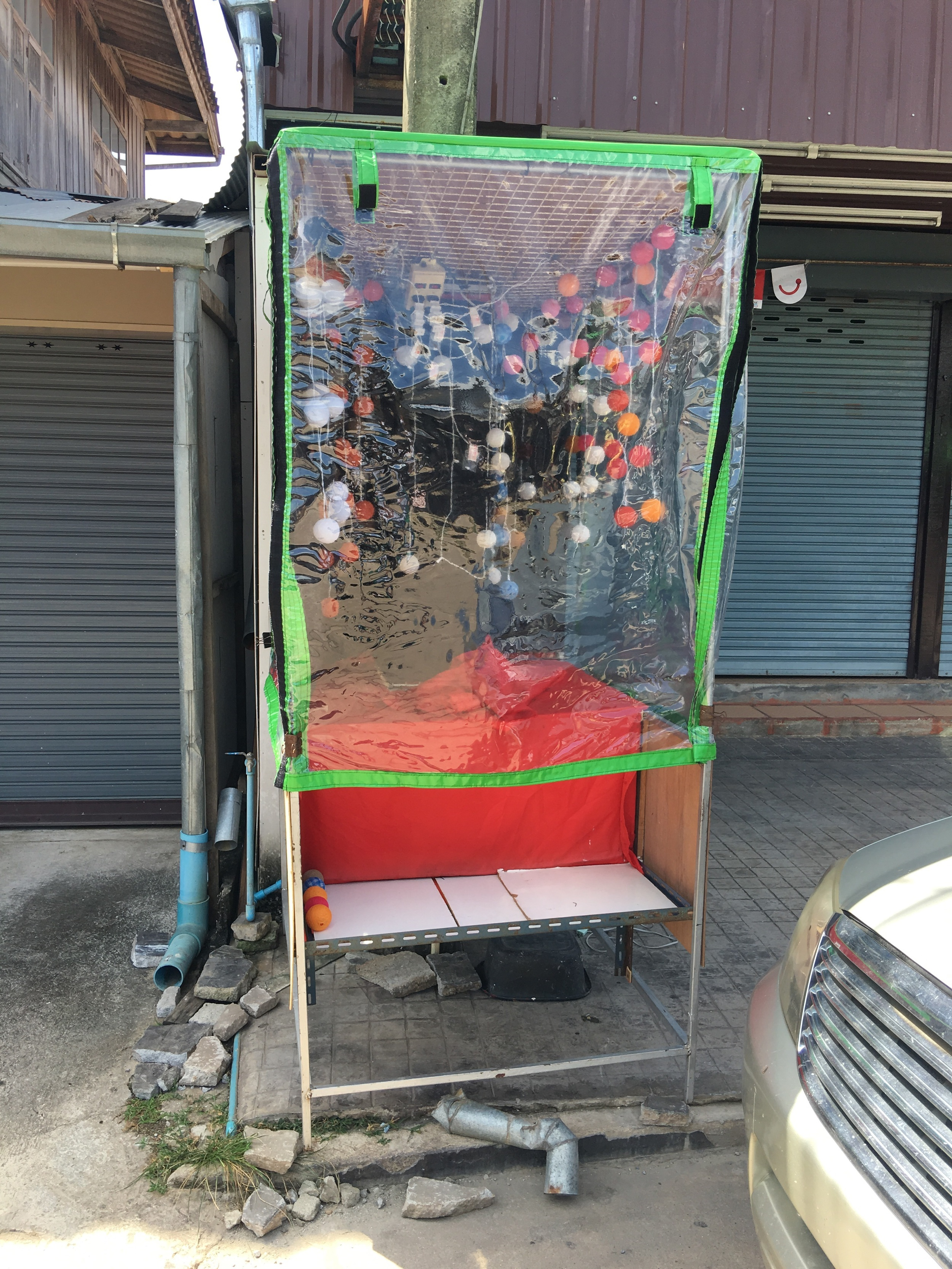 A hilarious photo booth i wish i could see it at night