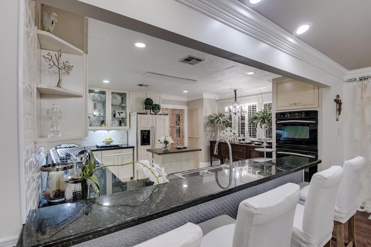 details interior designer new orleans