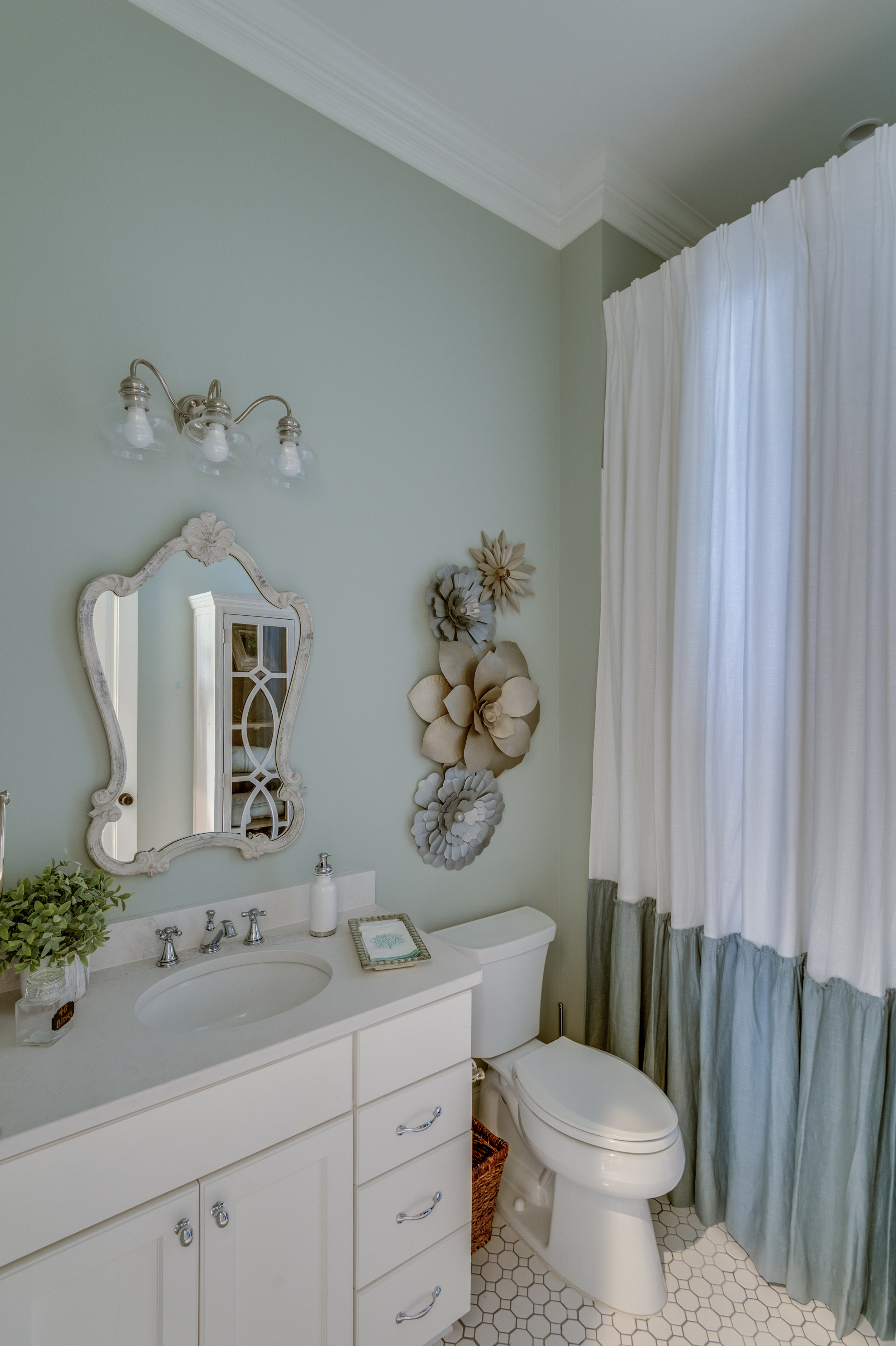 KHB Interiors new orleans metairie garden district river ridge lakeview new orleans interior designer old metairie decorator details custom shower curtain.jpg