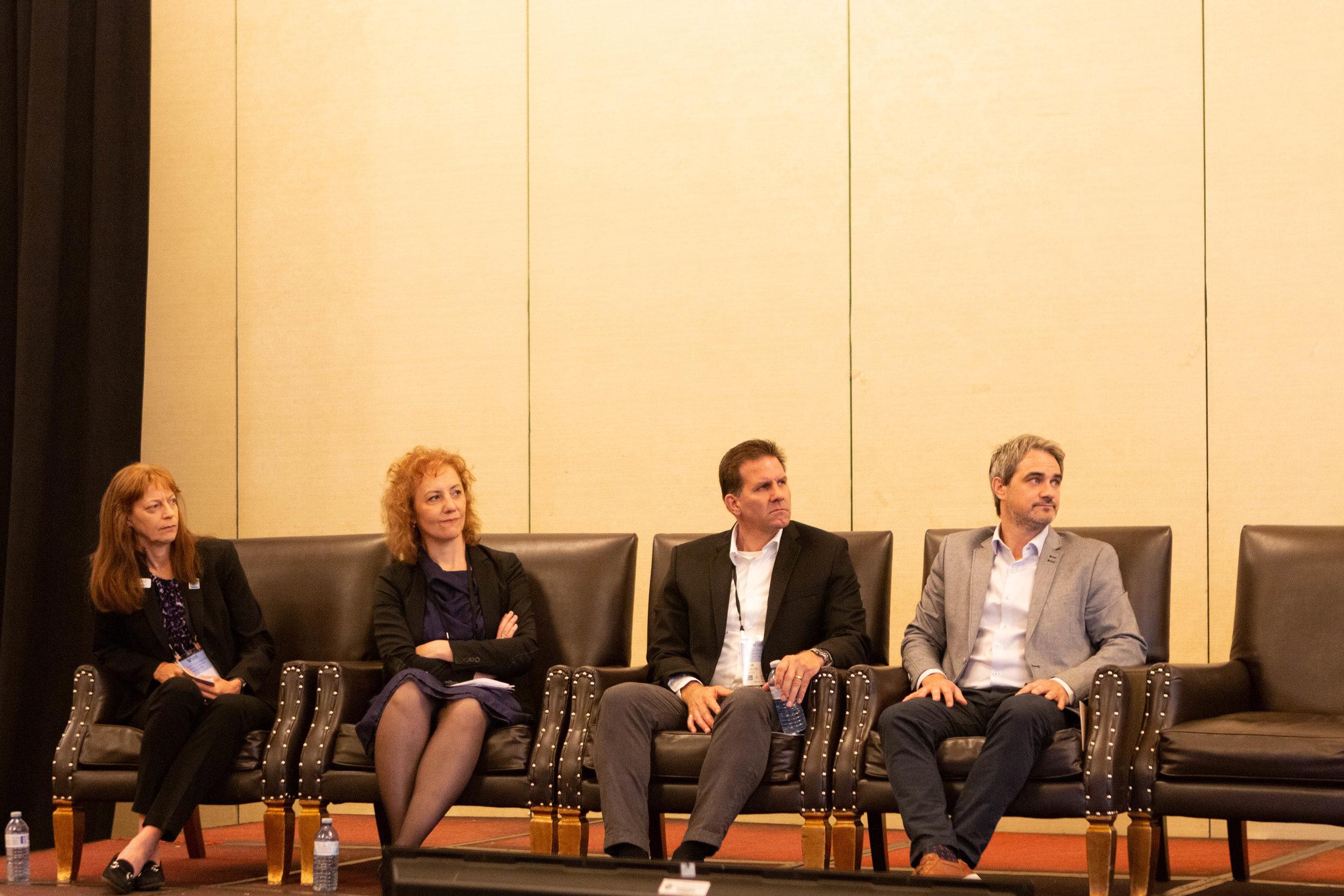 Panel: Shanna Knights - Ballard Power Systems Inc. ; Michel Archambault - Hydrogenics ; Kirk Burcar - New Flyer ; Ana Maria Suknovic - Government of Ontario