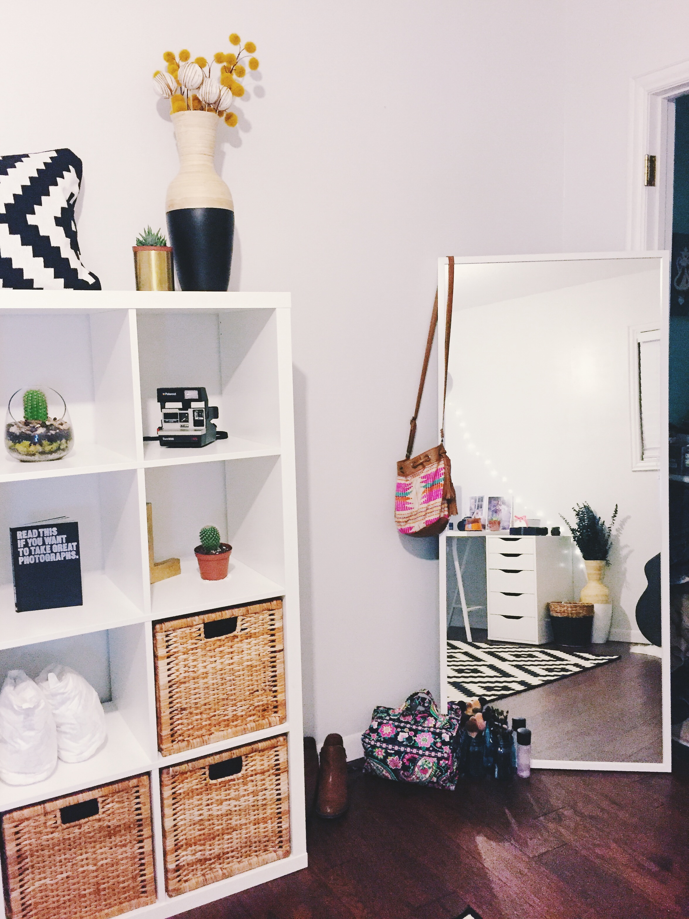 Office Renovation: IKEA KALLAX Shelves + STAVE Mirror | Decor | Laraina Hase