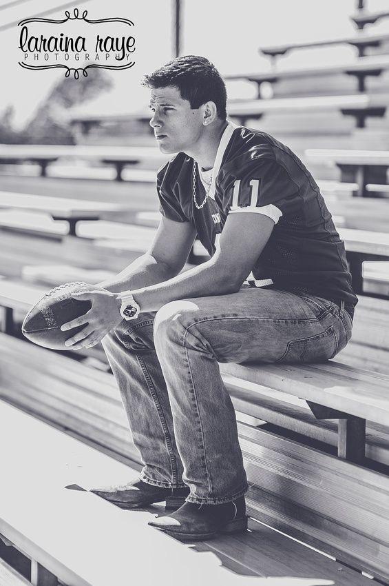 Senior Boy | Senior Pictures | Senior Ideas for Boys | High School Football | Laraina Hase Photography