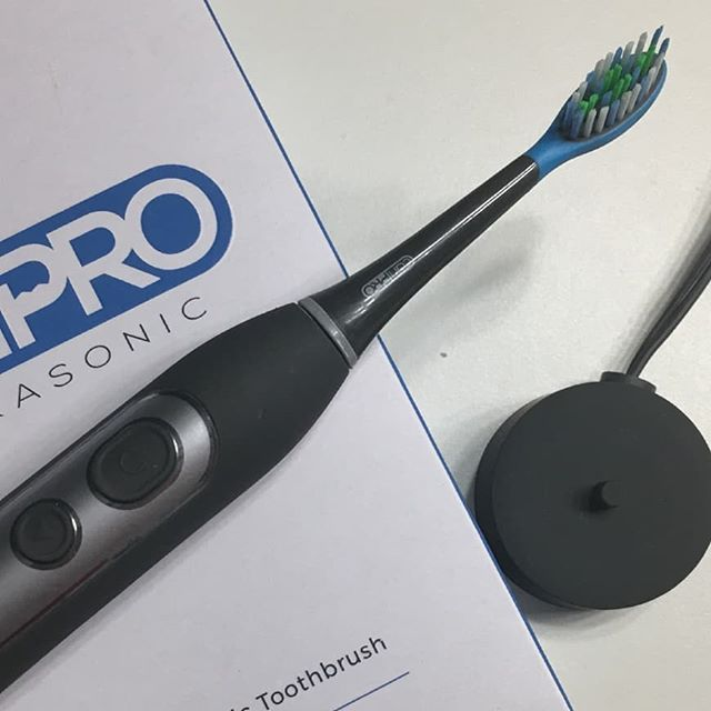 Loving my Smile Brilliant CariPro Ultrasonic Electric Toothbrush! Check out the review + A Giveaway (open to US, CDN,AUS, UK only ~ ends 9/28)! Retail value $119 at https://crtvlsy.ca/2QtiAjn #review #giveaway #smilebrilliant #smilefearlessly #toothbrush #dental #ultrasonicelectrictoothbrush #caripro #clean #oralhealth