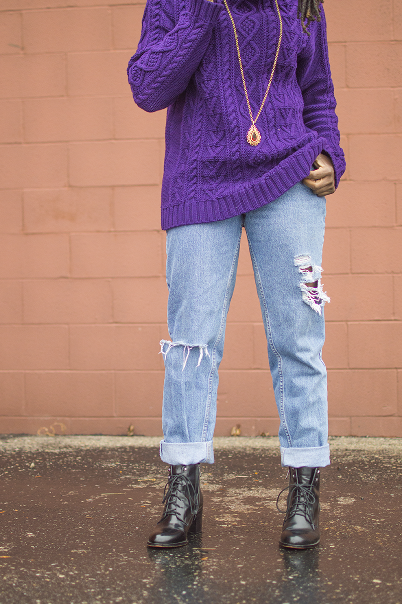 25 Denim pieces you can find at the thrift store. Denim on denim is the best trend for those who love easy! Click through for thrifted denim inspiration!