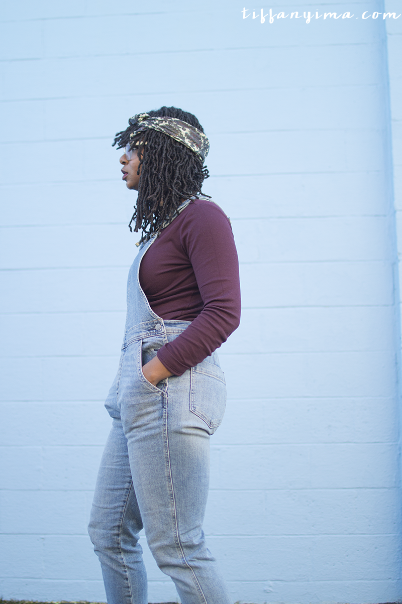 Casual look with overalls, maroon t-shirt and chunky heeled boots.