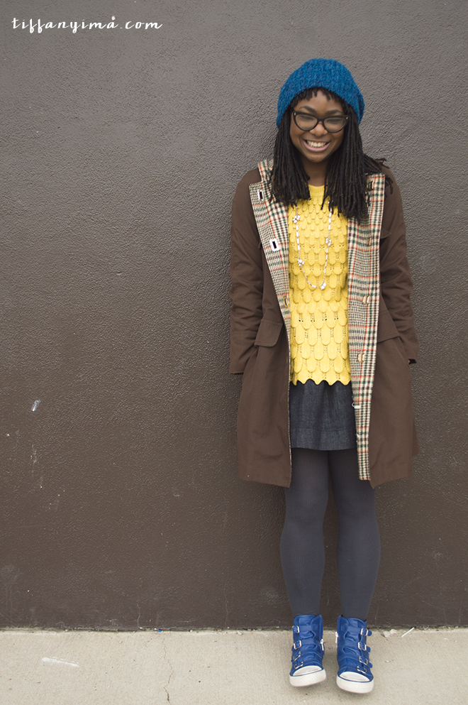 yellowsweaterdenimskirt.png