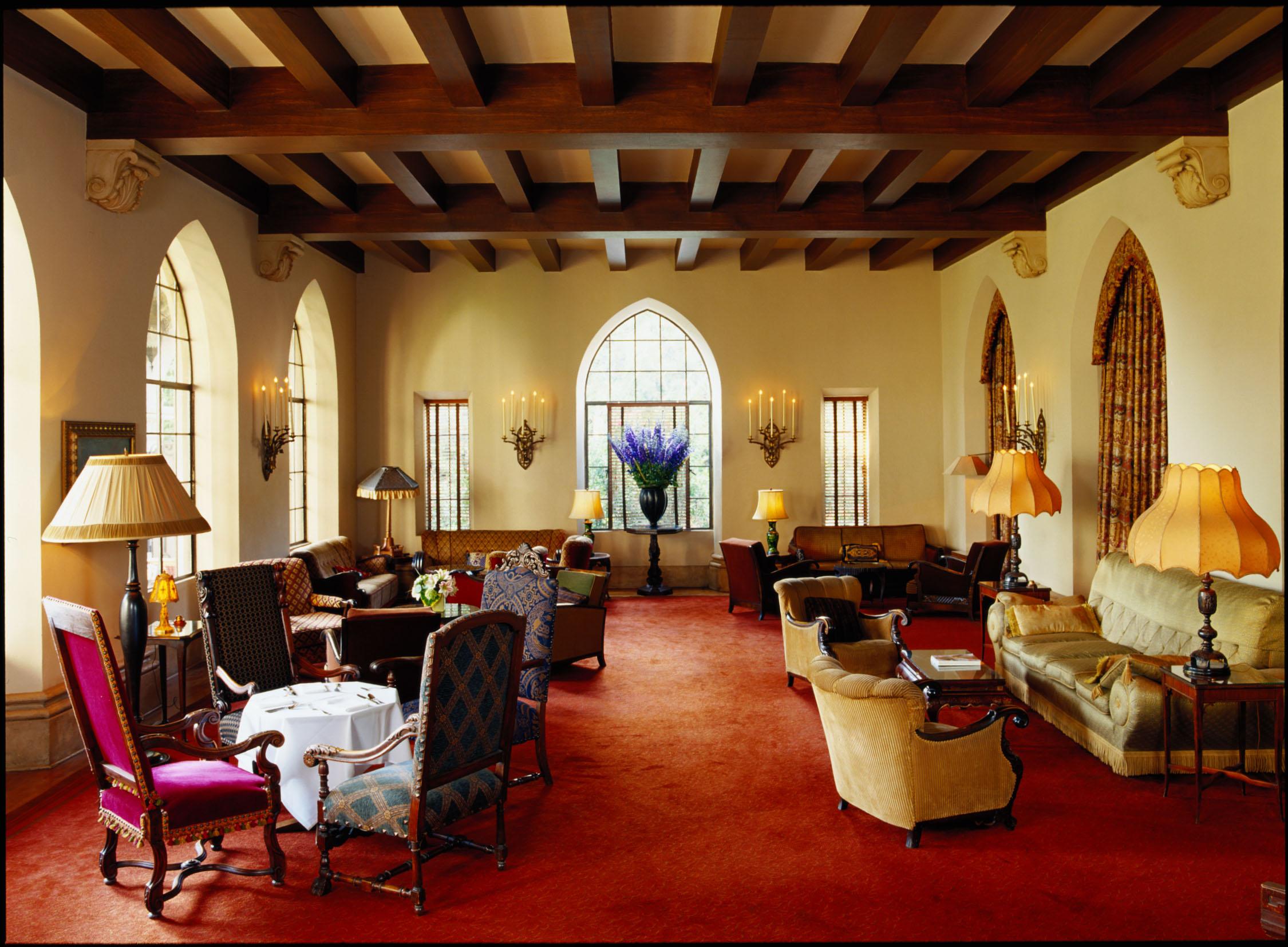 Chateau interior lobby (by Nikolas Koenig).jpg