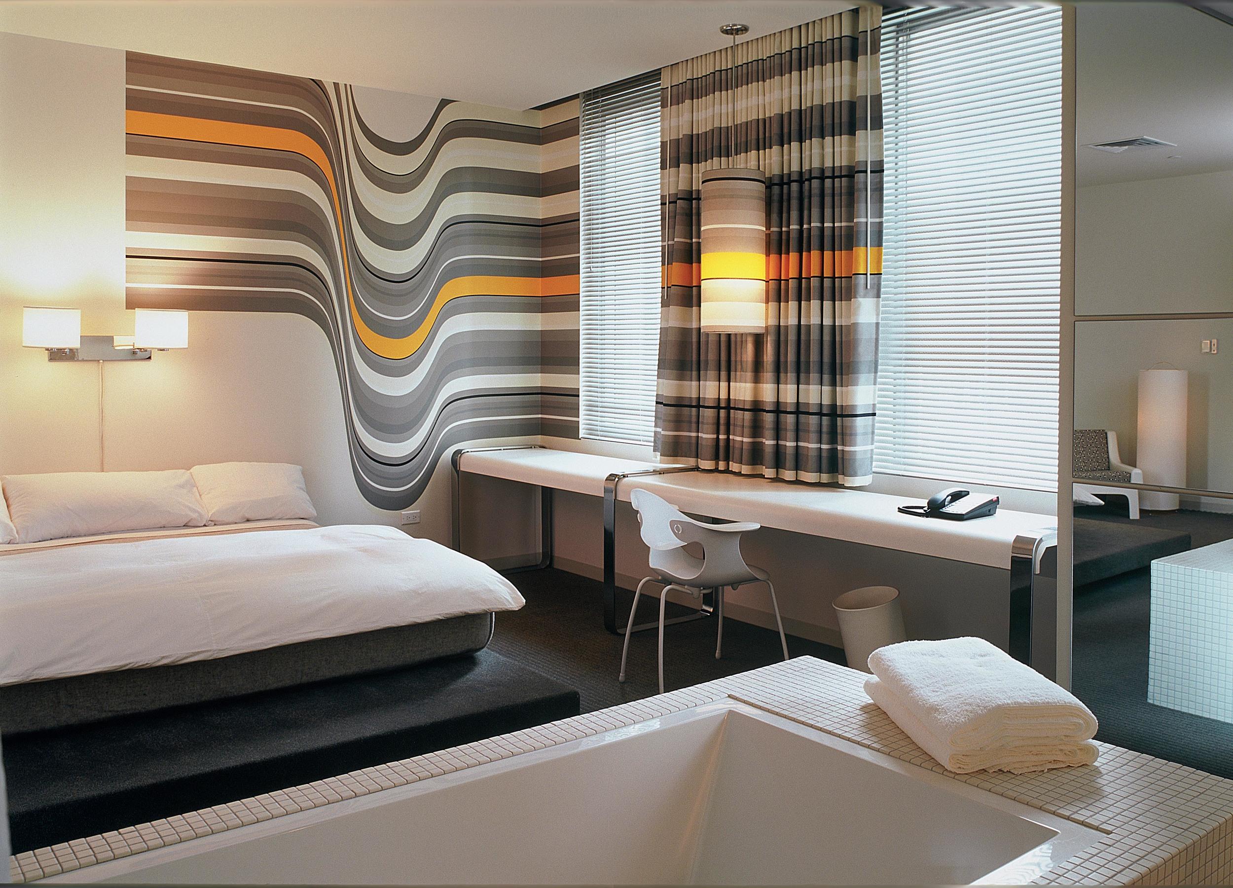 Standard DTLA_Room_602Huge_W_BathTub_Tim Street Porter.jpg