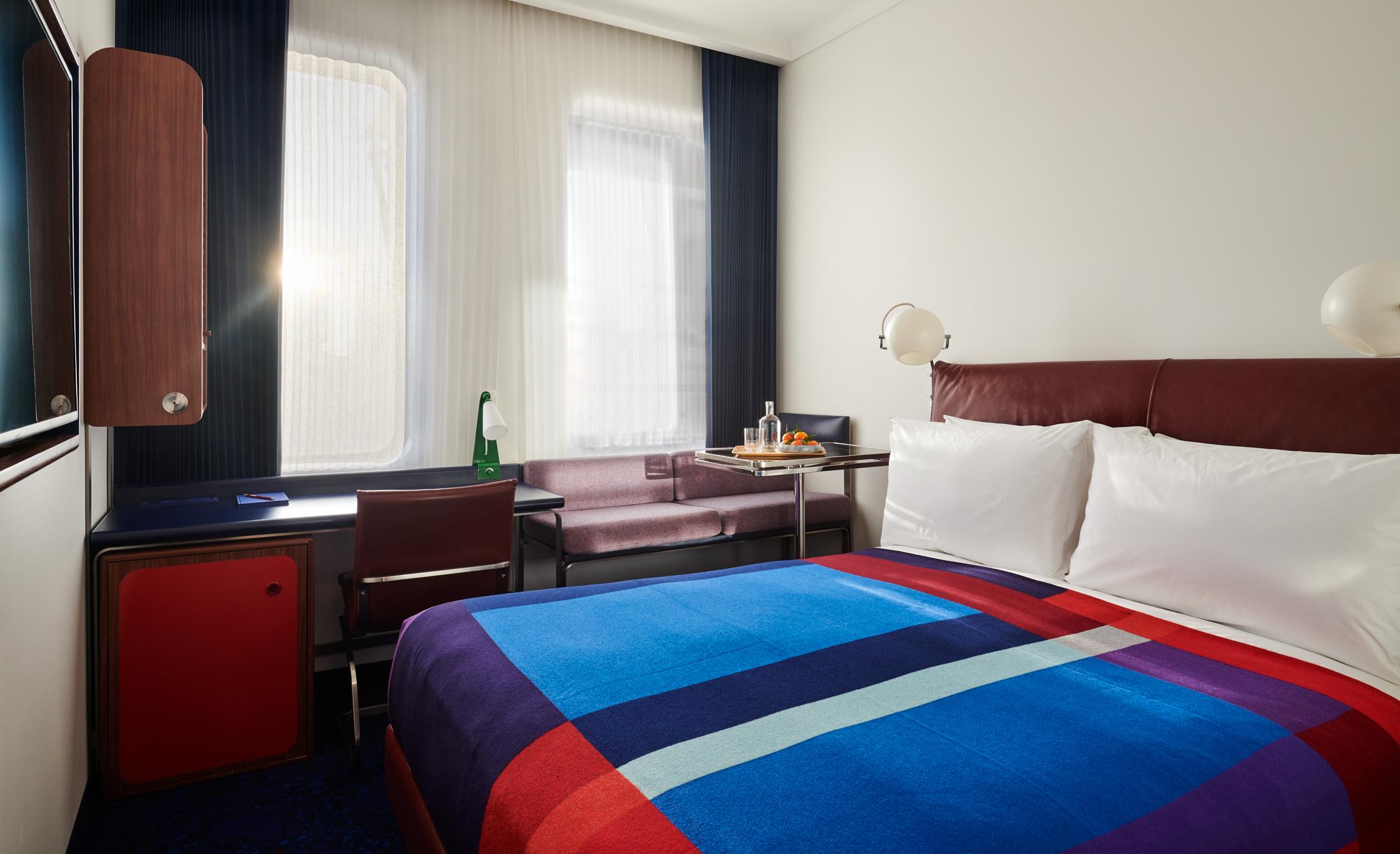 TS London--Standard Room (17).jpg