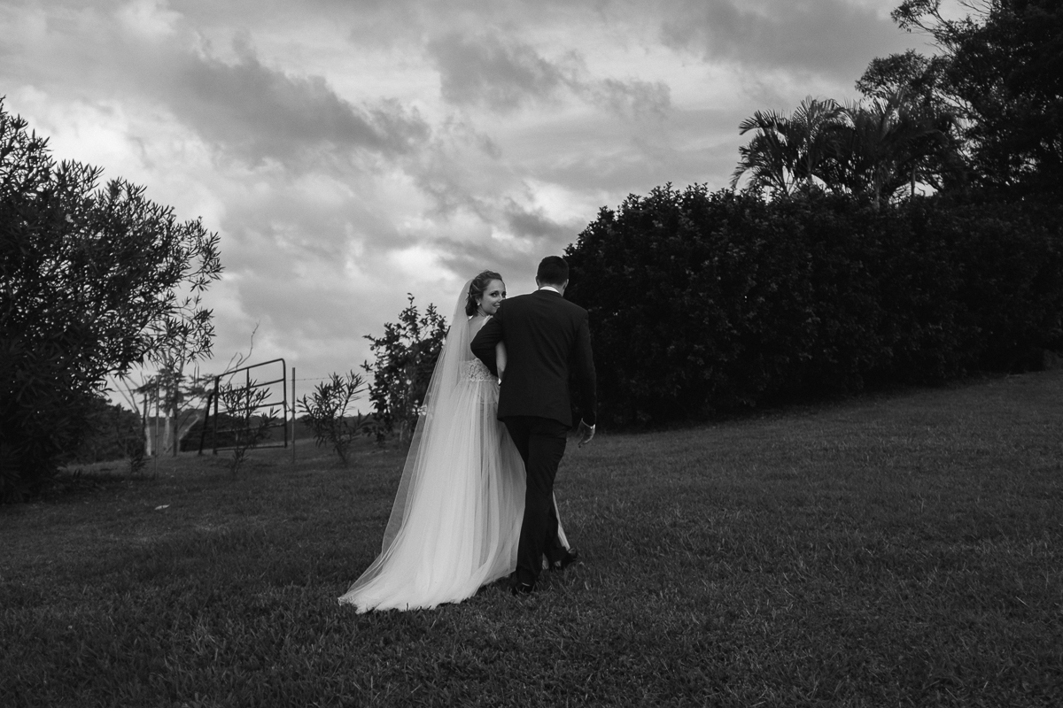 Ben-whitmore-Byron-Bay-Fig-Tree-Wedding-1001336.jpg
