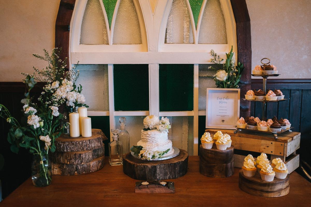 Ben-whitmore-Byron-Bay-Fig-Tree-Wedding-1001290.jpg
