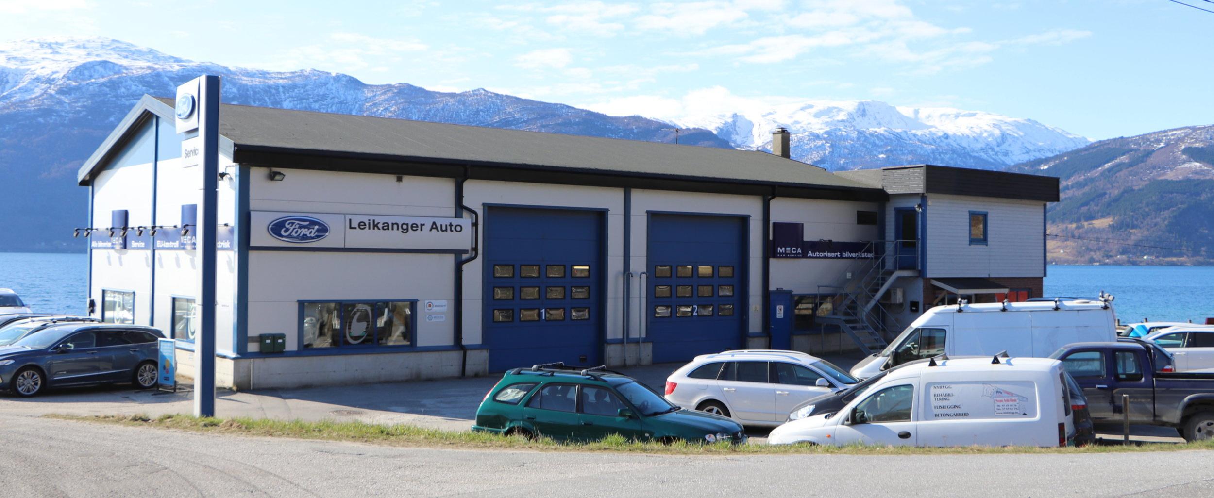 Leikanger Auto er fantastisk plassert på Hanahaug i fruktbygda.