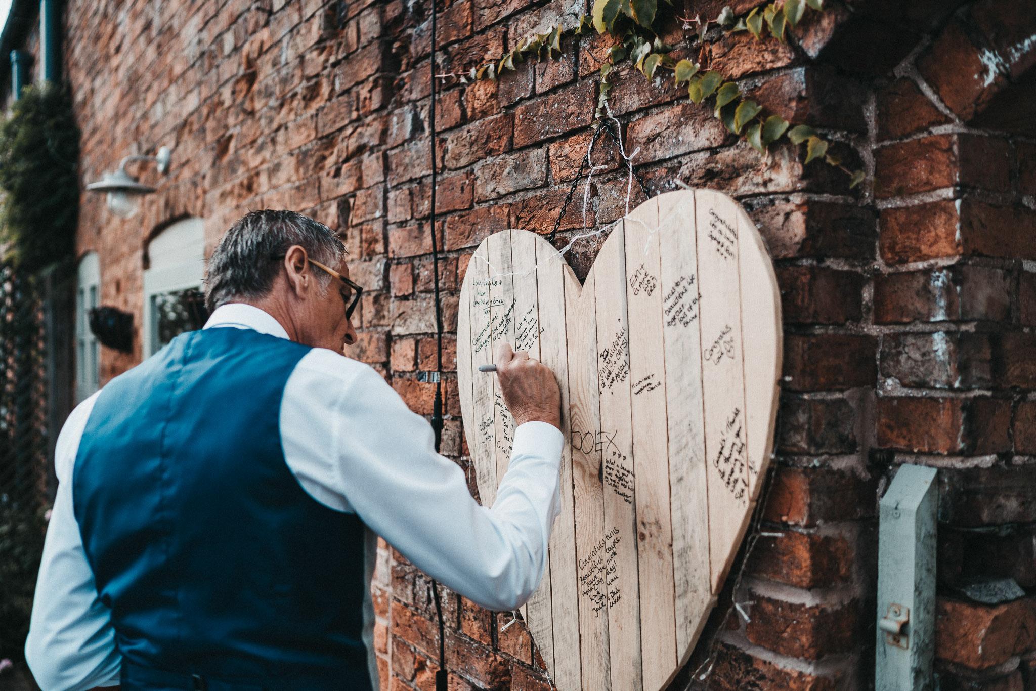 wedding-signing-board