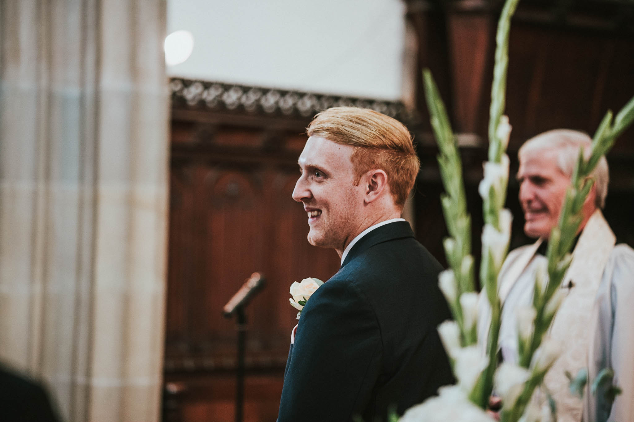groom-first-reaction