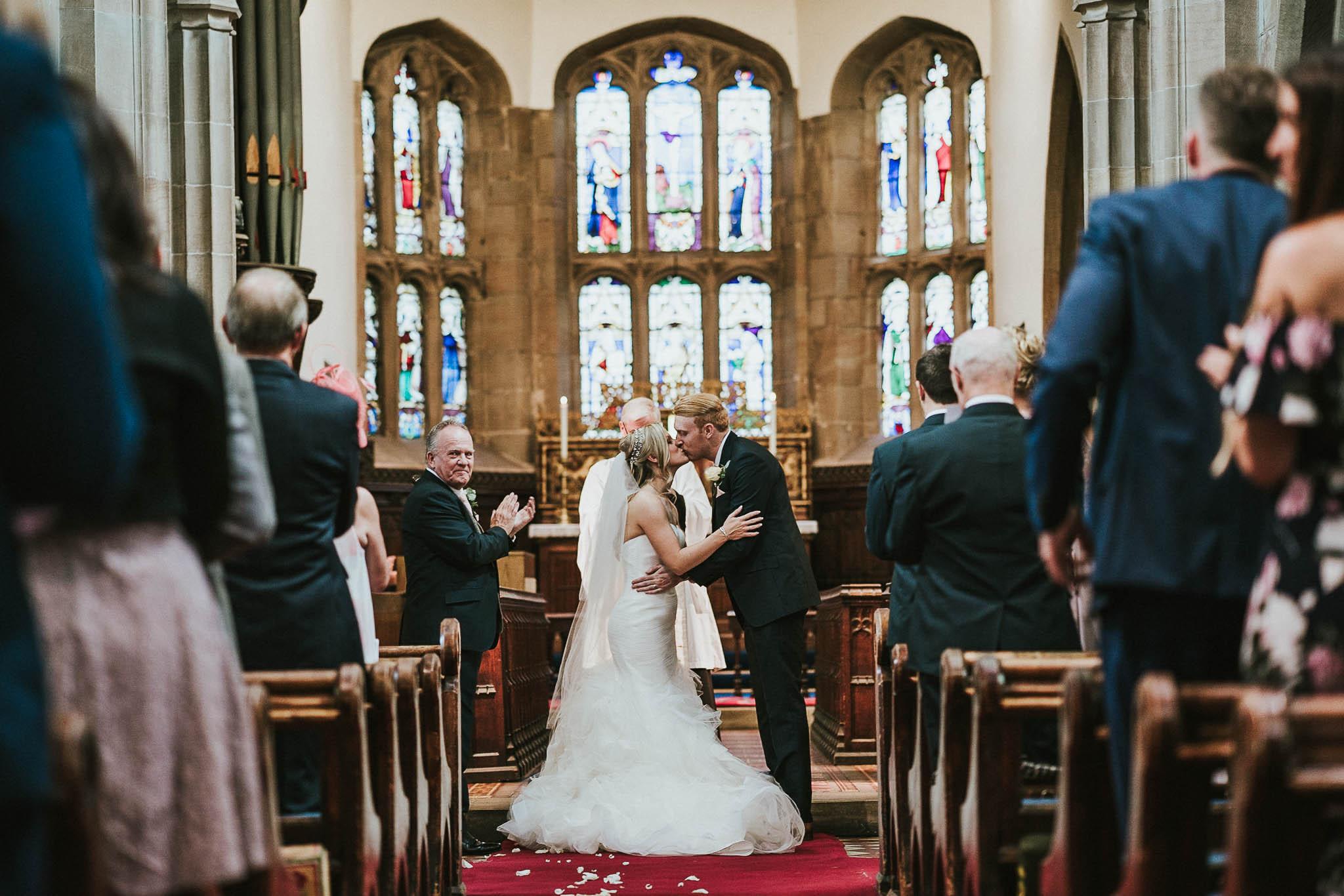 first-kiss-wedding-photos