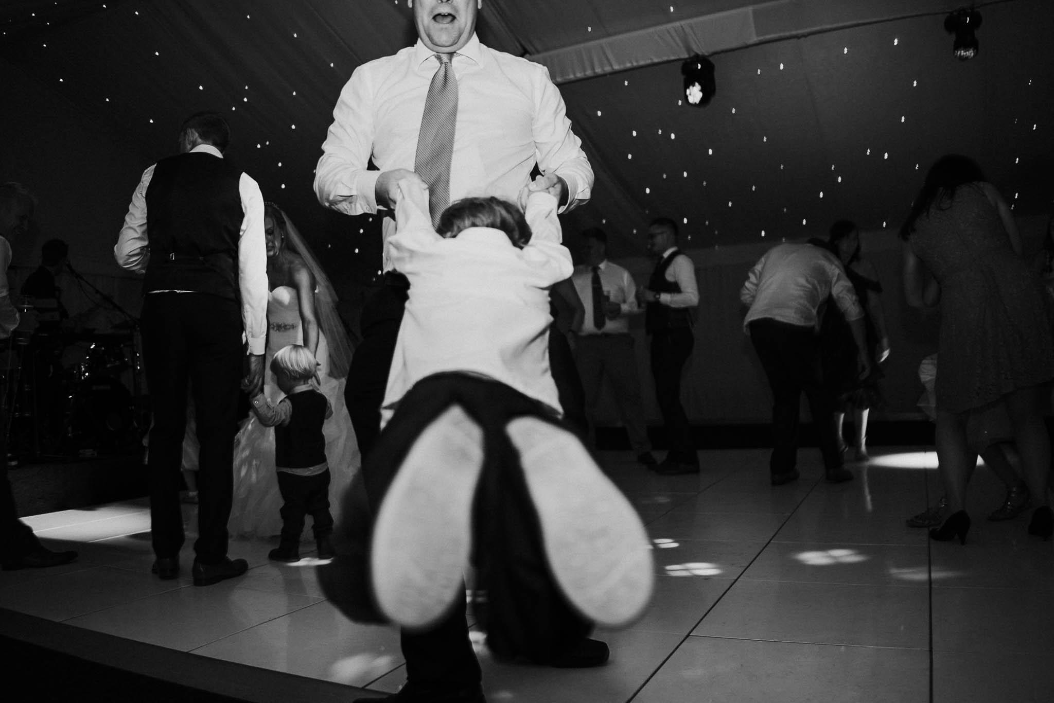 wedding-spinning-dance