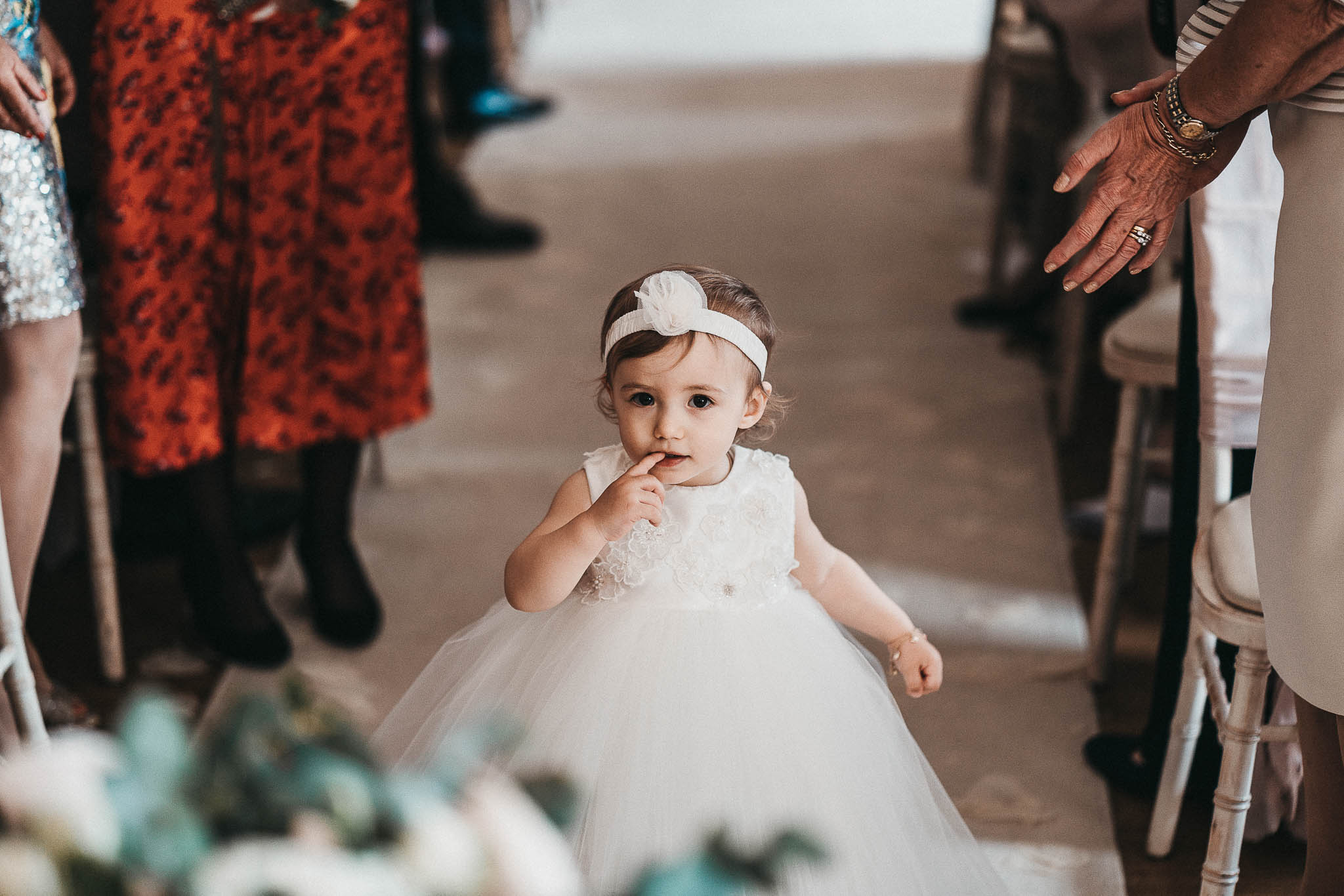 flowergirl-in-the-aisle