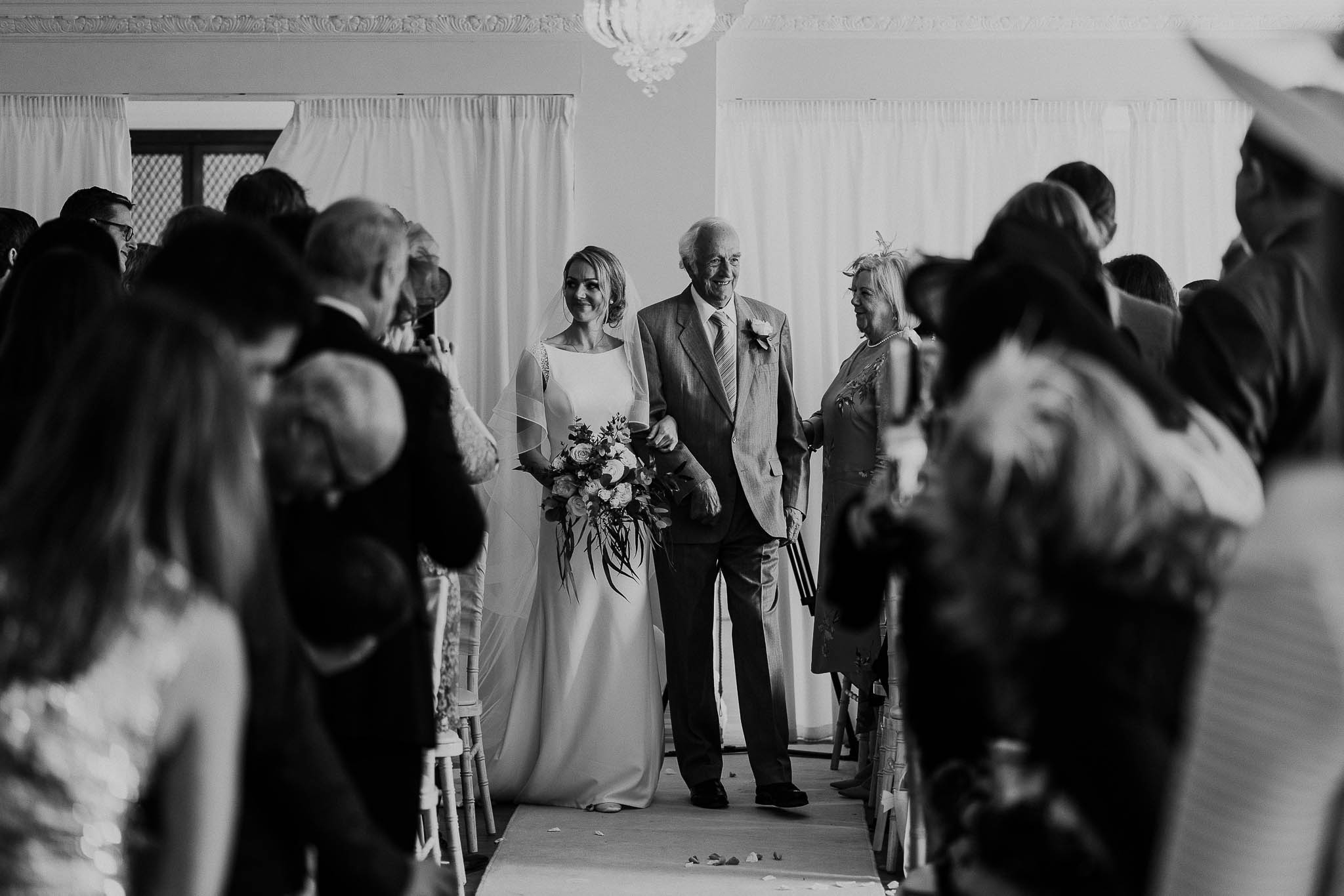 bride-and-father-aisle