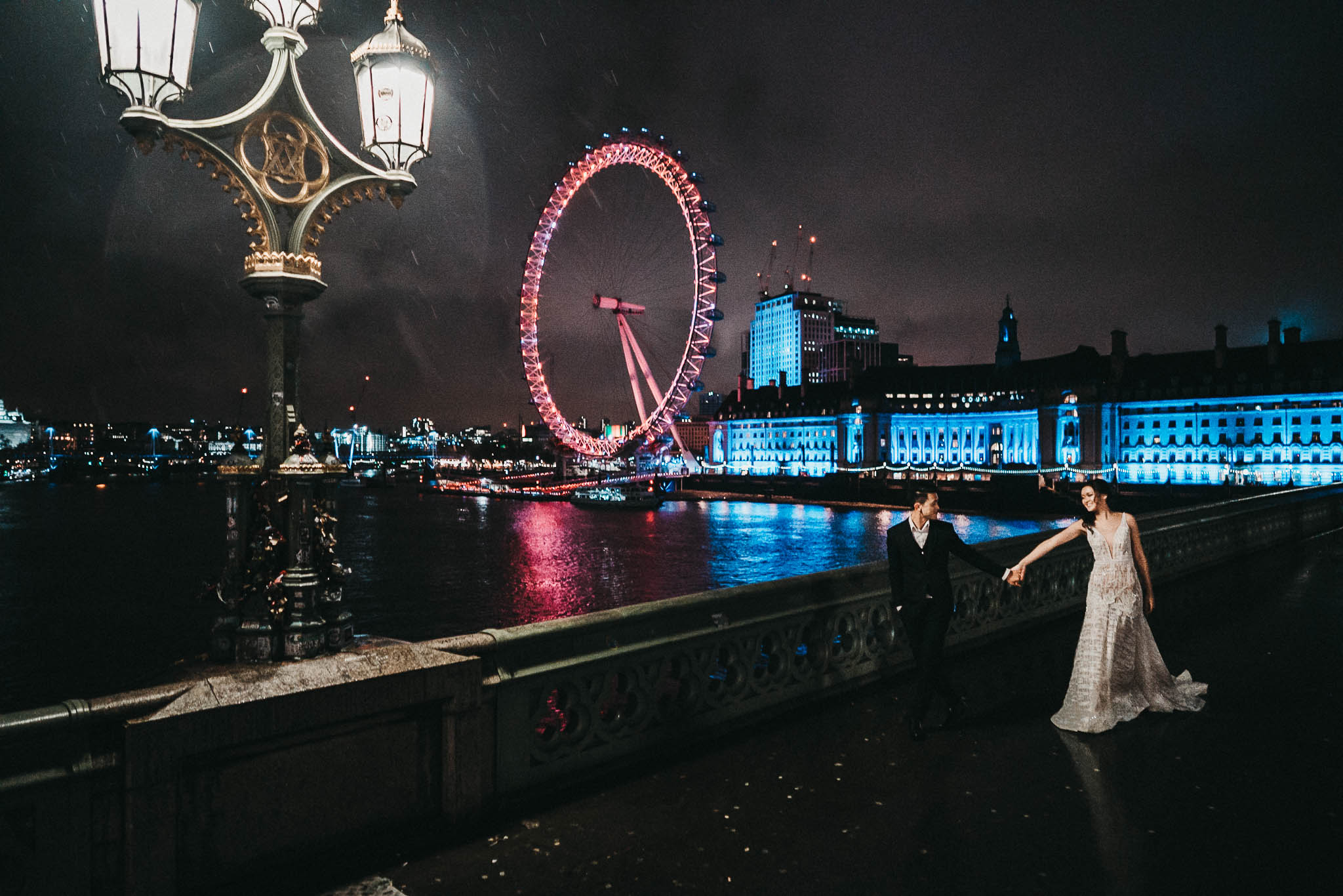 couple pictures along the thames in london