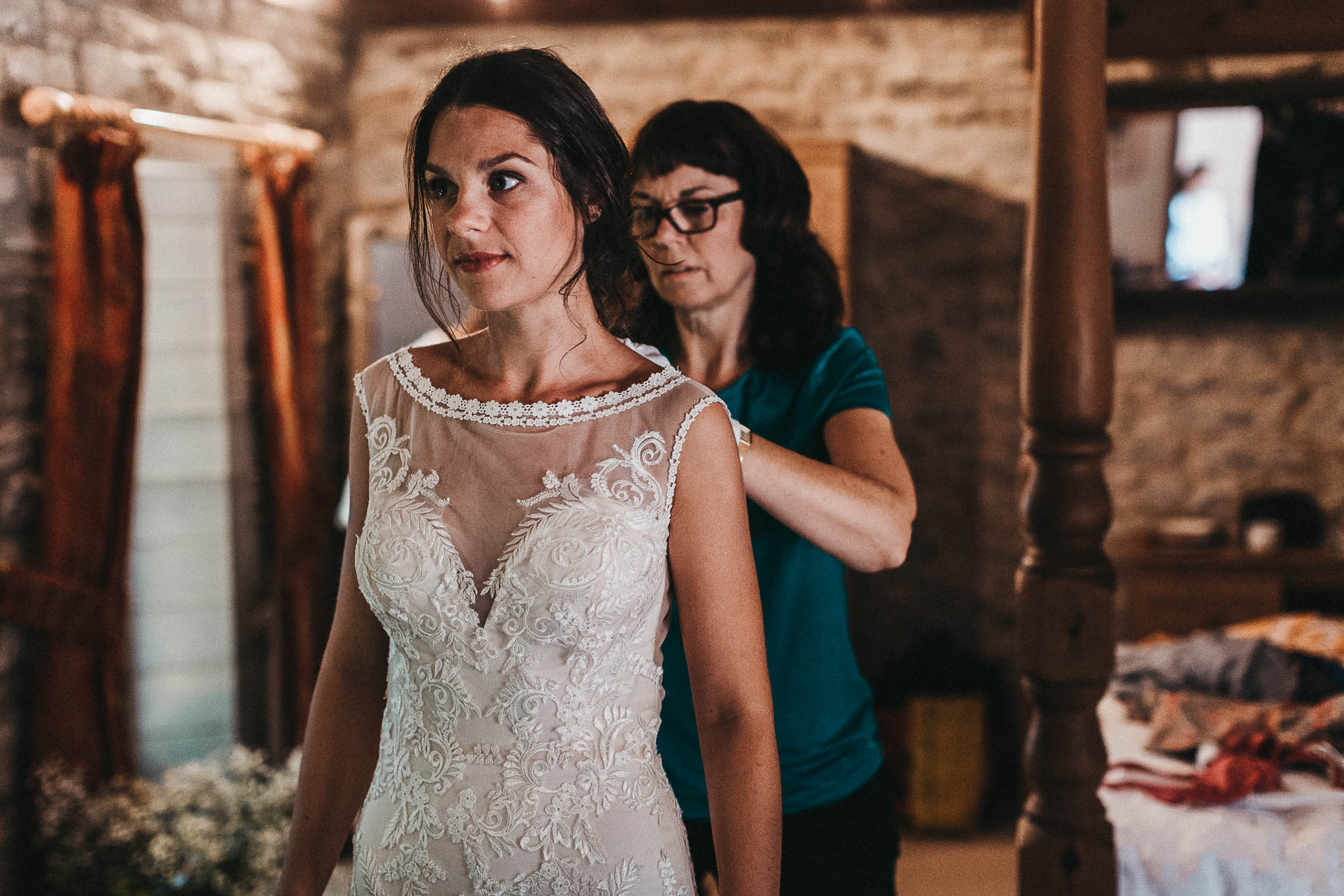 bride in dress with mum