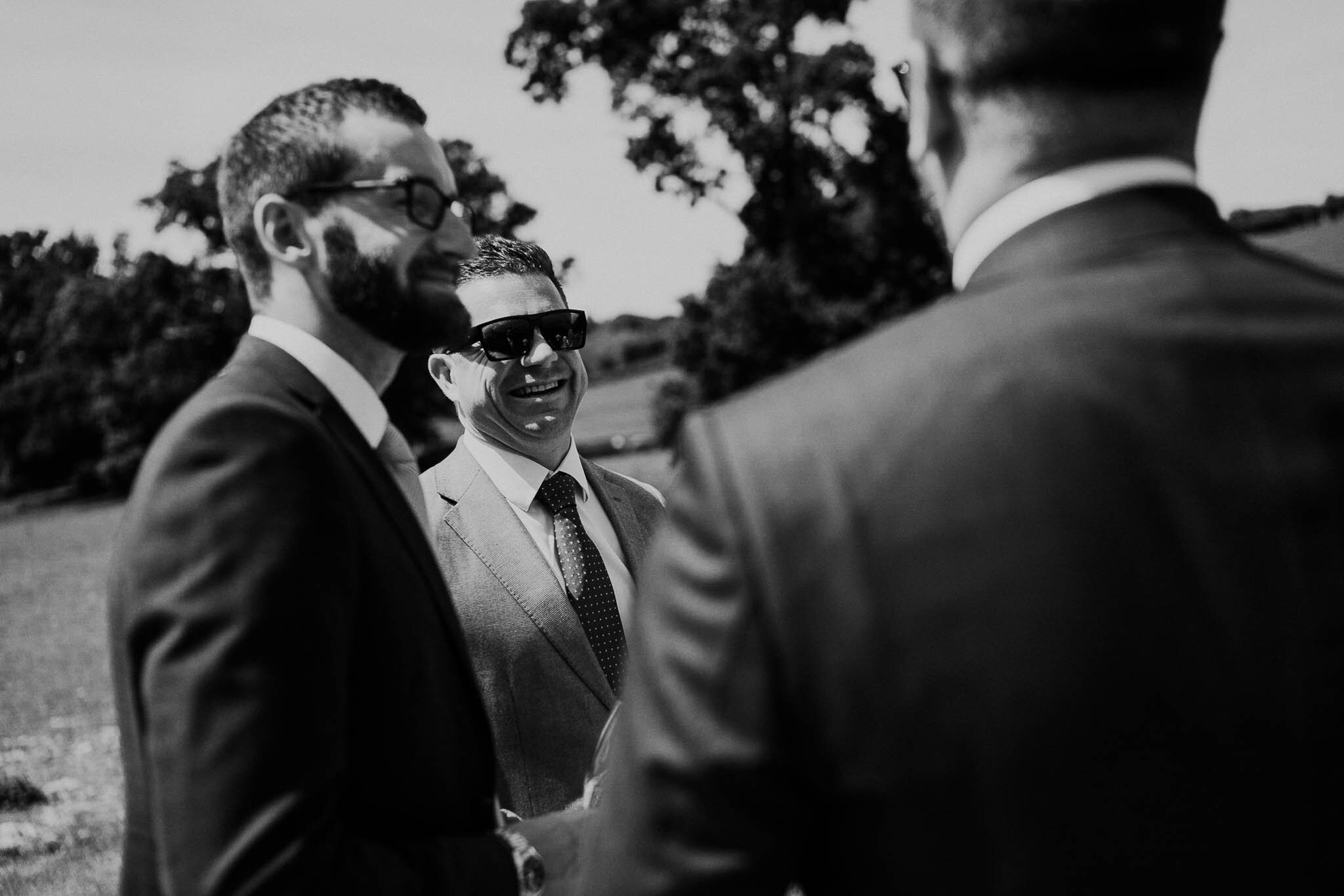 wedding-guest-candid-photography