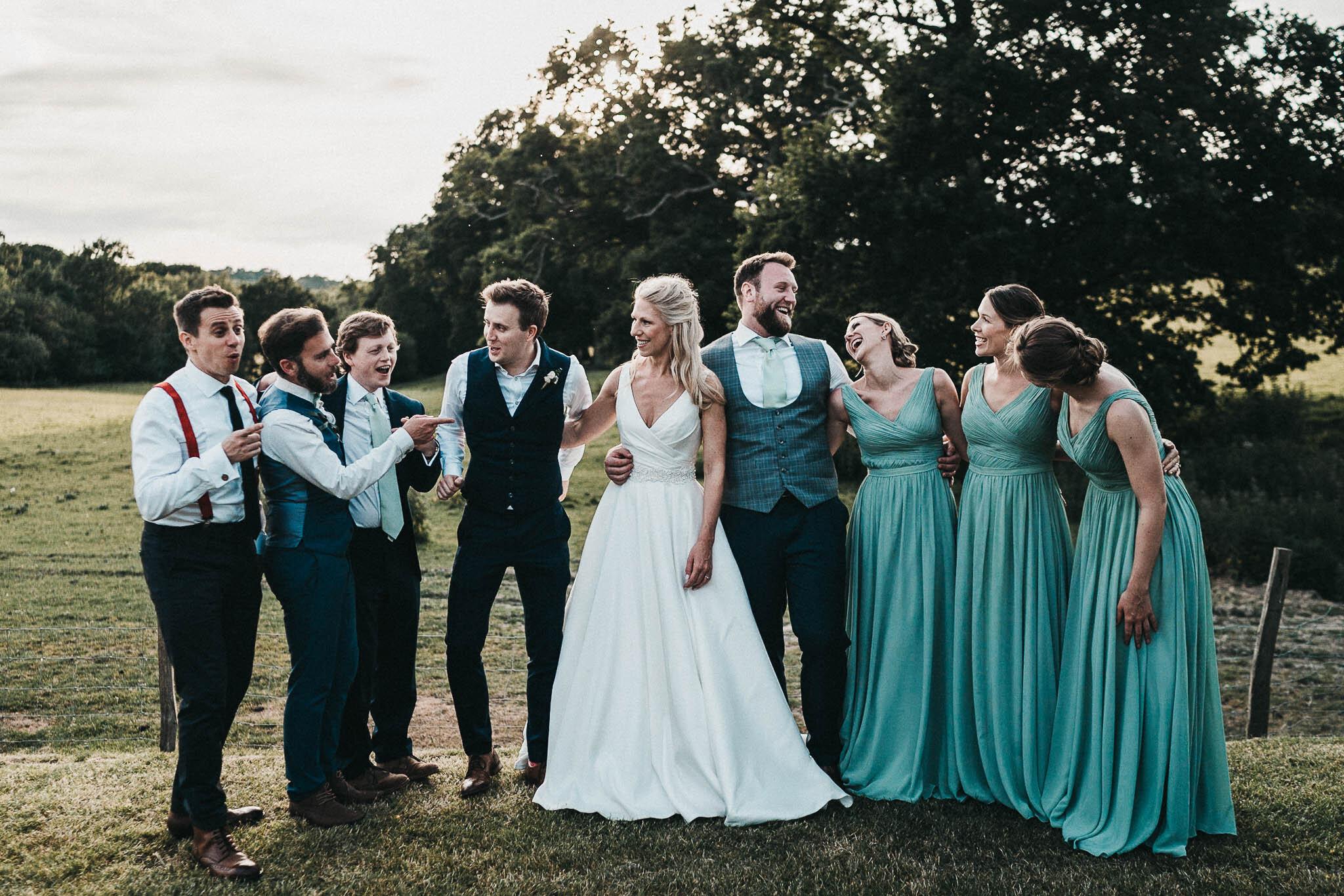 funny-bridal-party-portraits