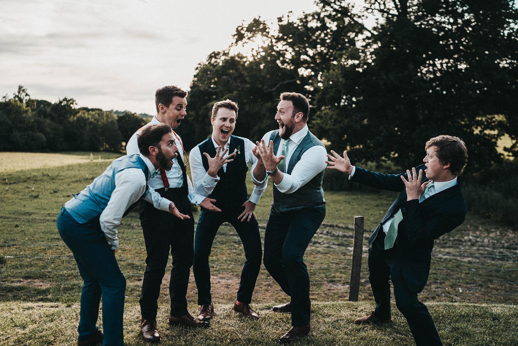 funny-groomsmen-portraits