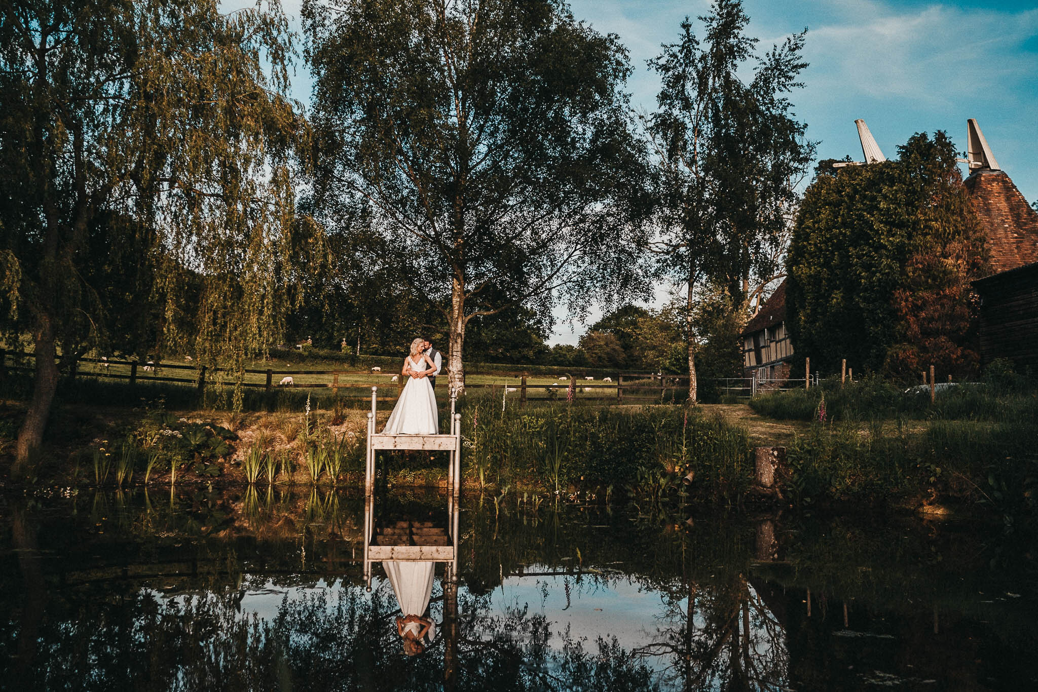 the-oak-barn-frame-farm-pond