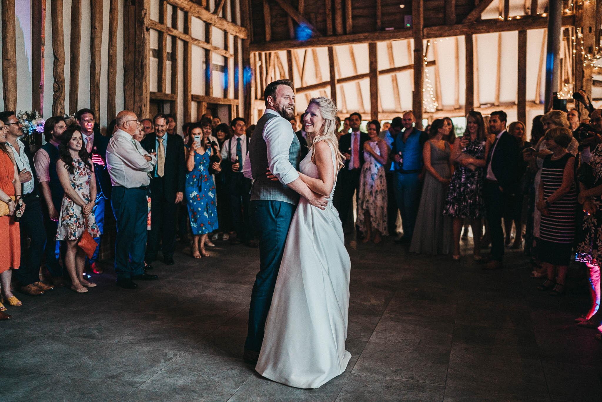 elegant-bride-and-groom-dancing
