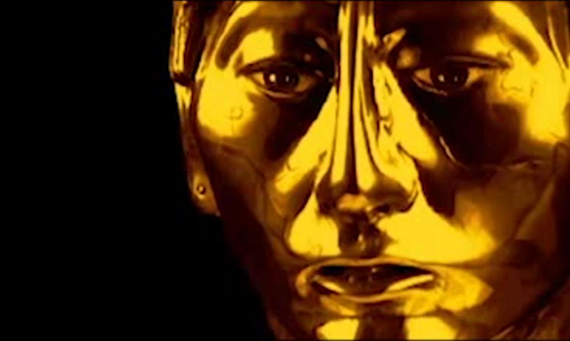 """La Estación Espacial* presenta su tercera exhibicion: 'PACHAPAPI' de Andrés Pereira-Paz.  La exhibición trata 3 líneas de acción que trabajan en torno a la construcción de estereotipos en diferentes tiempos: fotografías de revistas sociales de los 40s y 50s en eventos que celebran descubrimientos arqueológicos, un curioso video juego y un análisis comparativo de dos íconos pop. Todos en pos de la construcción de lo """"otro"""" como un molde gigante e invisible del que somos parte.  Andrés Pereira Paz (La Paz, 1986) Realizó estudios en la Academia Nacional de Bellas Artes Hernando Siles en La Paz y en la Universidad Nacional de Tres de Febrero en Buenos Aires. Asistió a los talleres de Roberto Valcárcel y Diana Aisenberg entre otros.  Desde el año 2011 dirige el proyecto pedagógico de clínicas de obra """"HOY"""" en La Paz, Santa Cruz y Lima. El año 2012 realizó el programa del Centro de Investigaciones Artísticas (CIA) en Buenos Aires. El 2013 realizó una residencia en el Centro Hipermediático Experimental Latinoamericano (CheLA) en Buenos Aires. Su trabajo fue exhibido en Bolivia, Argentina, Brasil, Perú, Colombia, Chile, Estados Unidos e Inglaterra. Actualmente vive y trabaja entre Lima y La Paz.  Entre sus muestras más recientes se encuentran:Bienal Contextos (Cochabamba, 2015), The Wrong Biennale (2015) La Potencia de los falso (Instituto Cultural Peruano Norteamericano-IPCNA, Lima-2015), Otro Orden ll (La Polaca,Lima-2015), Hotel Cosmos (Sala Luis Miró Quesada Garland, Lima-2015), Bolivia no existe (CuatroH Gallery- Nueva York- 2014), Suicidio en el Pan de Azúcar (Centro Cultural de Brasil en Bolivia, La Paz-2014), Chojcho Men (Alianza Francesa, La Paz-2014), entre otras.  *La Estación Espacial es una plataforma transitoria de arte contemporáneo dirigida por Guillermo Rodríguez como parte de su participación en el programa La Práctica de Beta Local. El proyecto albergará un ciclo de 10 micro-exhibiciones entre marzo y mayo. La Estación busca abrir un diálogo local/interna"""