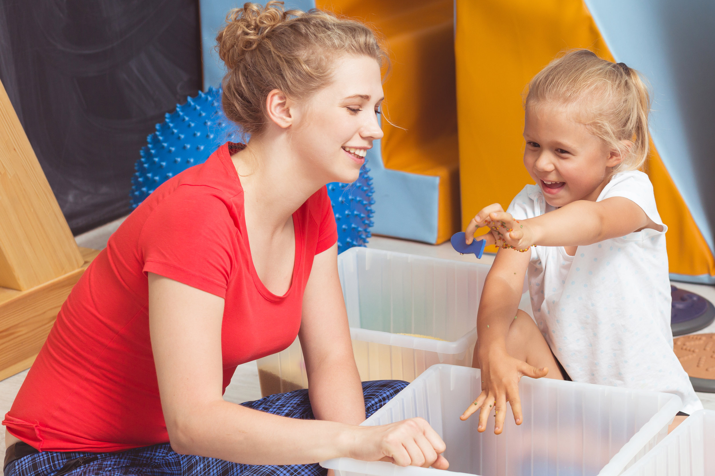 photodune-19099131-child-searching-for-objects-on-sensory-integration-class-l.jpg
