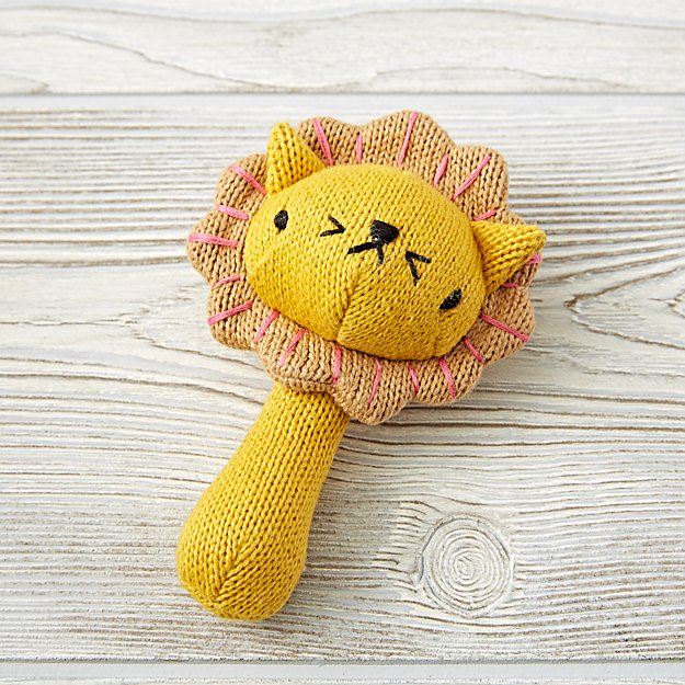 love-handle-rattle-lion.jpg