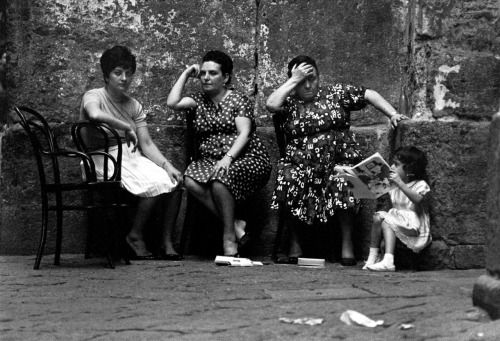 © Bruno Barbey: Naples, 1964
