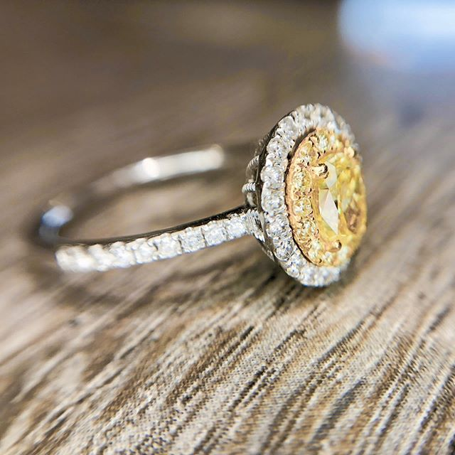 More looks at this oval can canary diamond set in a double halo 💛💎✨ Contact for price!  #yellowdiamond #yellowdiamondring #engagement💍 #engagementring #wedding
