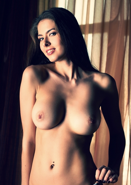 Arianna, 27 - Hunters Escort Agency