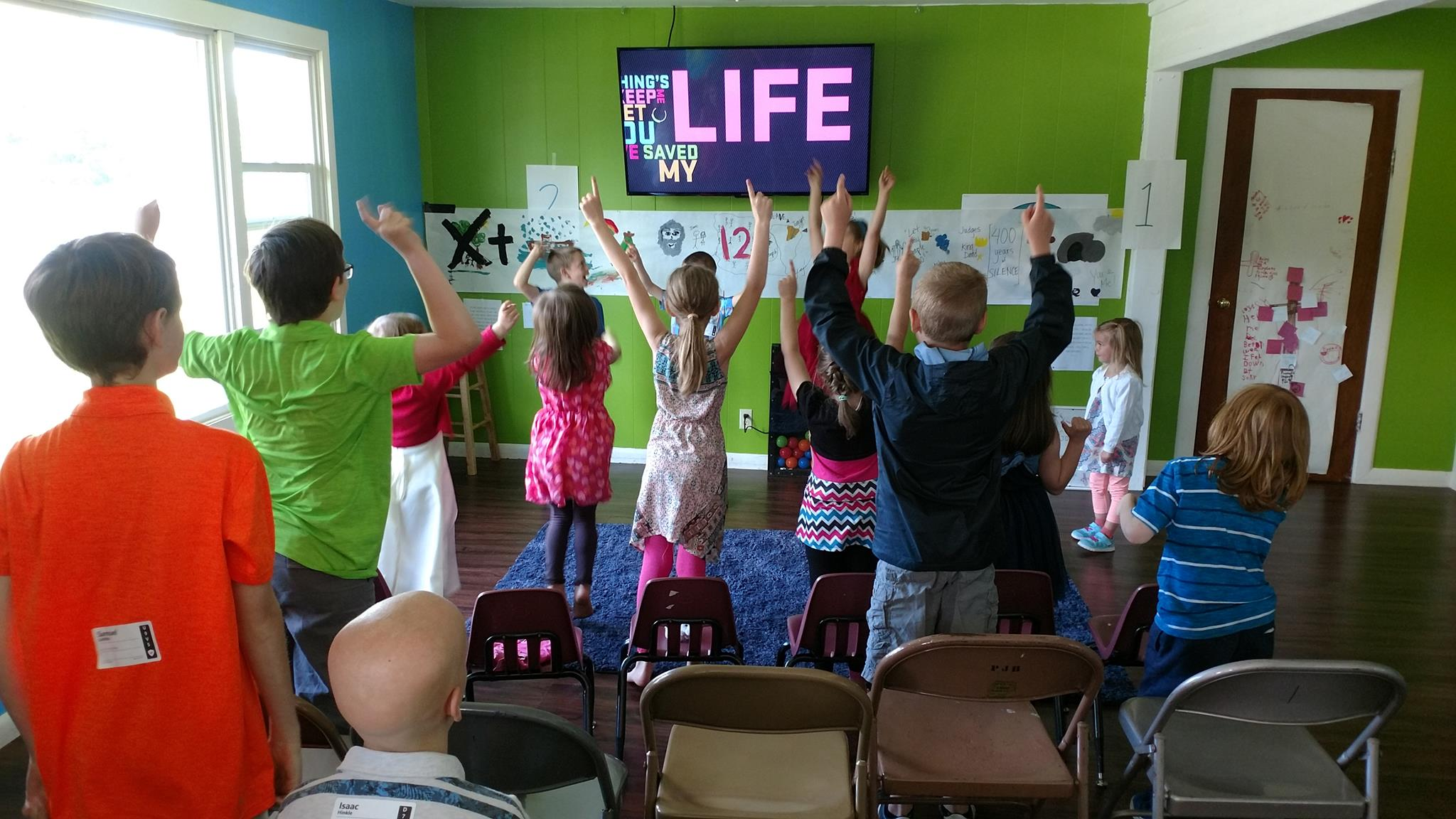 - We love helping kids know and love Jesus!We want each kid to know that Jesus loves them, that each one is important and that we have fun together. Kids Church is an interactive time for a big group of kids to do this all together.
