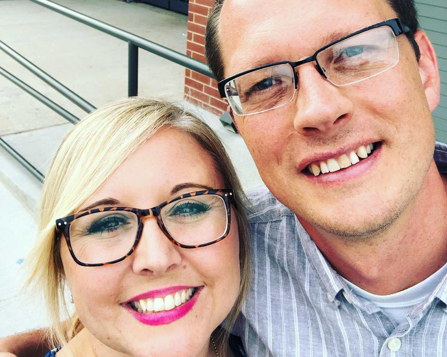ASSOCIATE PASTOR OF OUTREACH AND EVANGELISM | CREATIVE ARTS DIRECTOR