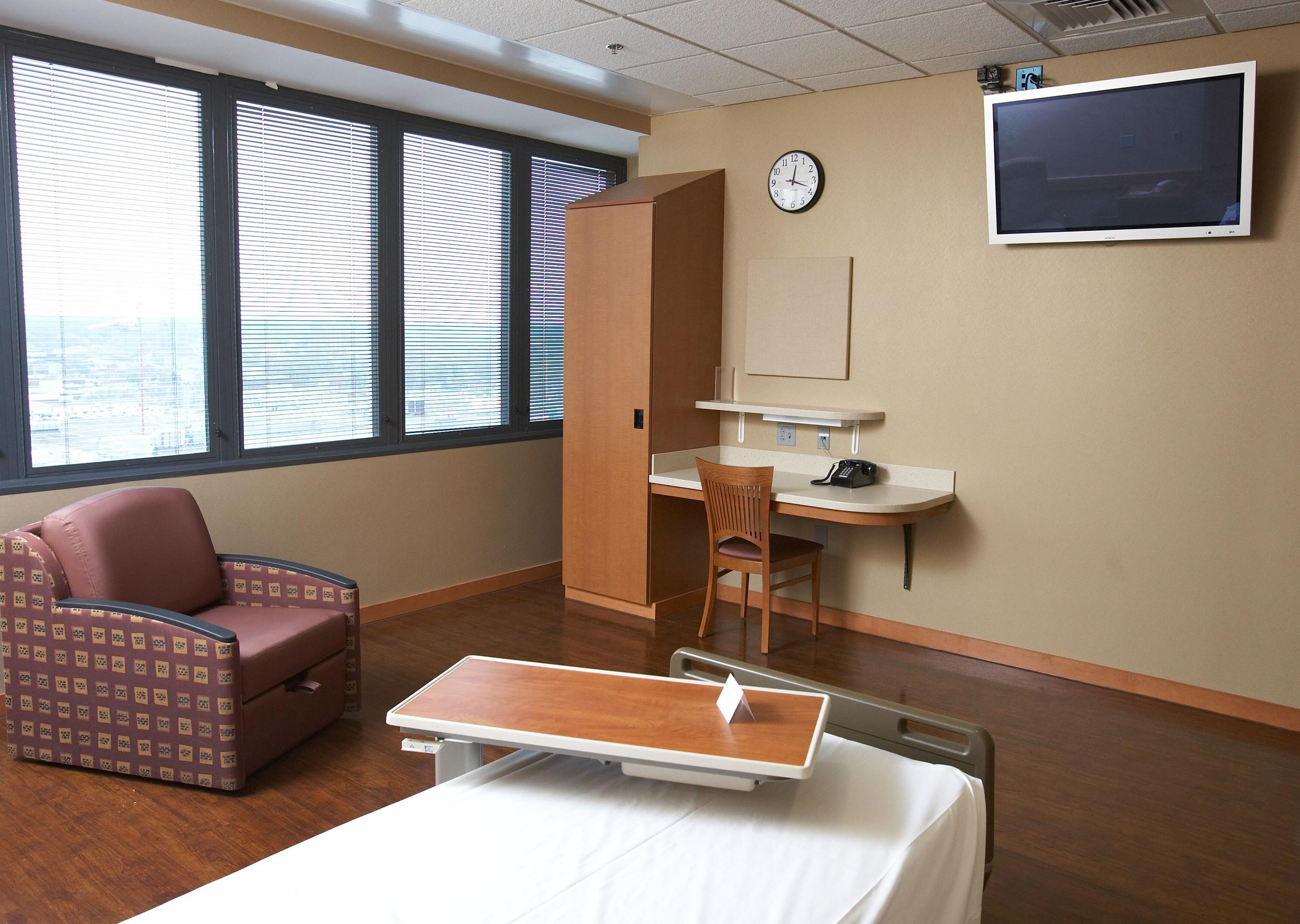 trager room 2.jpg
